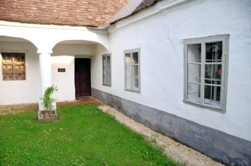 Hörersdorfer Hof im Museumsdorf mit der textilen Sonderschau
